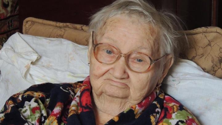 «Поехала повысить гемоглобин — слегла с инсультом»: в Камышине 95-летнюю ветерана войны долечили до реанимации