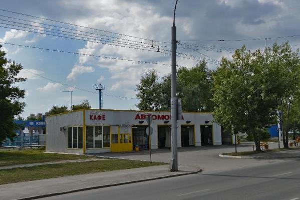 ДТП произошло у СТО по улице Станционной, 11, к.4