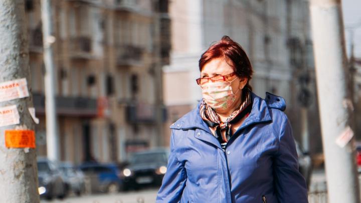 Пенсионерки поют хором, а министры продолжают заражаться коронавирусом: хроники пандемии в Омске