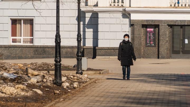 Ситуация с коронавирусом на 6 апреля. Власти разрешили уехать на дачу и пообещали доплаты медикам, работающим с зараженными
