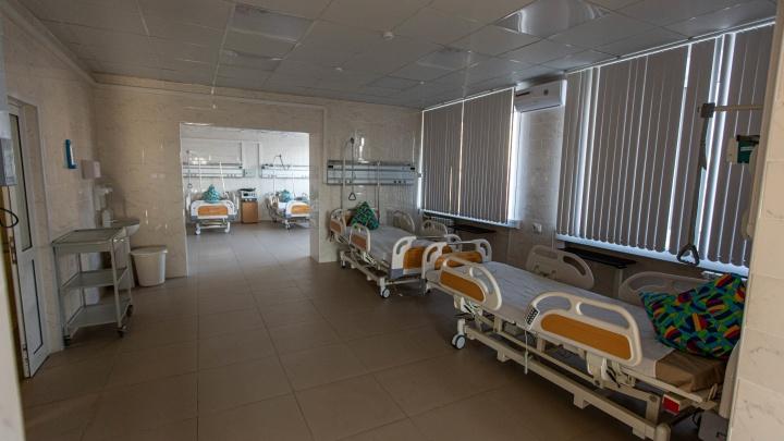 Число новосибирцев, погибших от коронавируса, достигло 600 человек