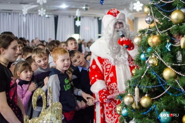В Ростовской области покажут около 400 новогодних спектаклей