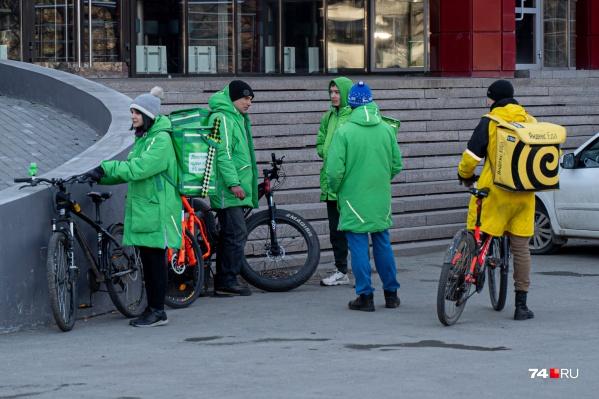 Зелёные и жёлтые человечки на улицах города стали приметой времени