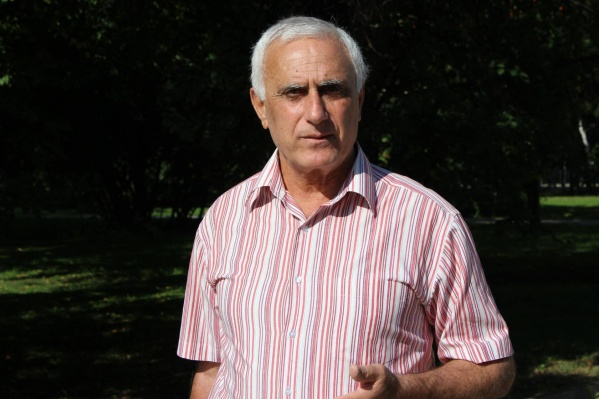 Карен Кюрегян 27 лет, со дня основания, работал в спортивной школе олимпийского резерва по теннису в Ярославле