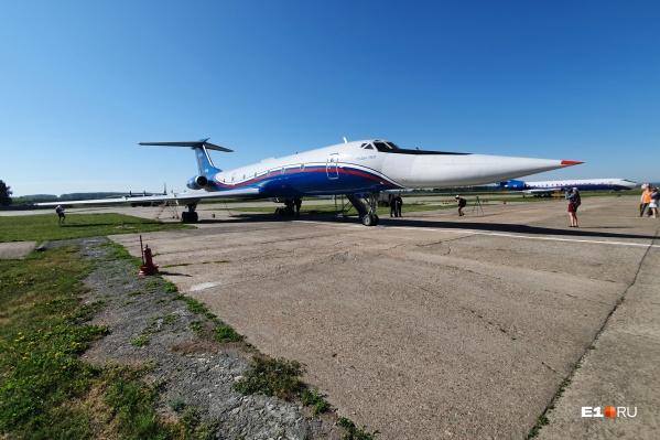 Ту-134 пролетит над Екатеринбургом на высоте 400 метров
