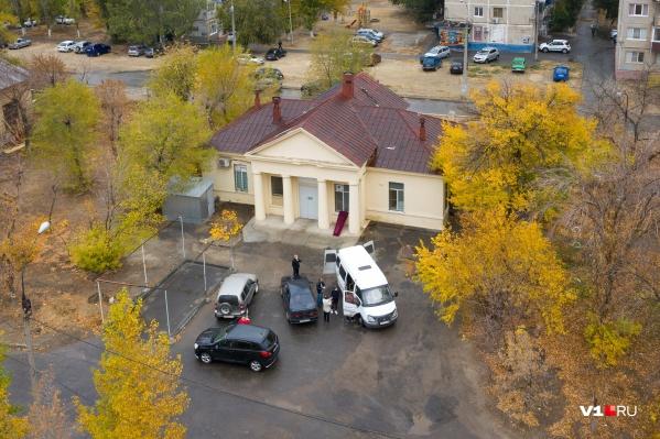 Количество смертей в Волгоградской области уже достигло 181, за 18 тысяч перевалило количество заболевших