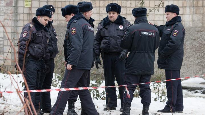 Ростовские полицейские прилетели в Москву и 7 часов осаждали машину подозреваемой в мошенничестве