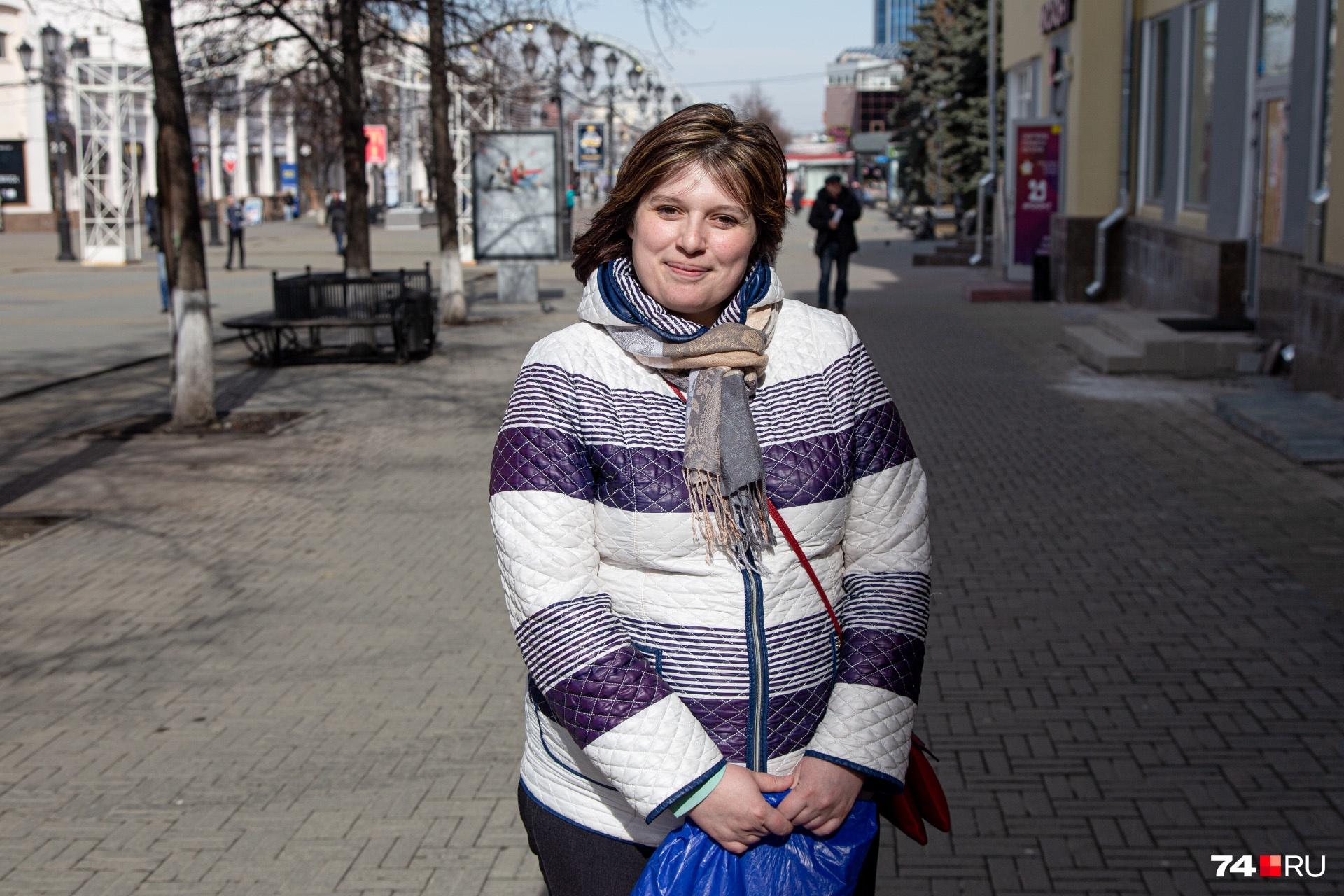 Ирина заинтересована в работе, сколько дверей она продаст — такая будет и зарплата