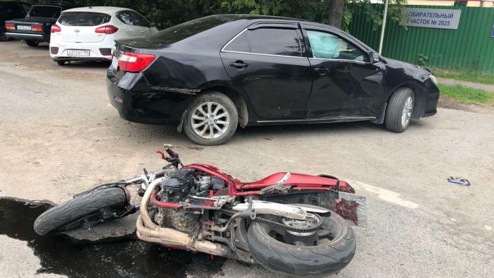 В ДТП на Доме Обороны погиб 34 летний мотоциклист