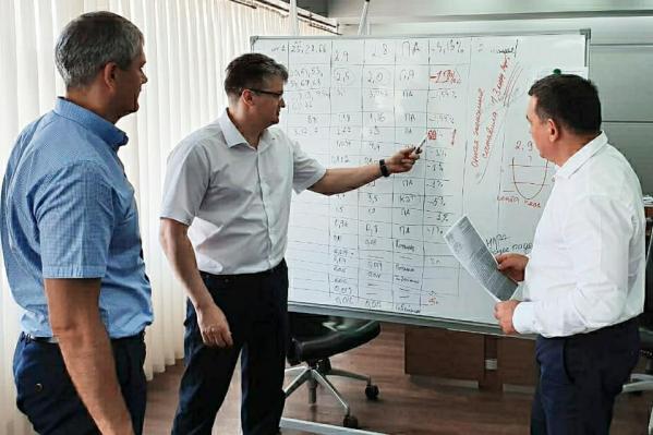 По словам Андрея Панова, благодаря скандальному аукциону мэрия Новокузнецка сэкономила почти 1,3 млрд рублей