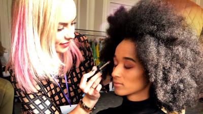 Архангелогородка стала лучшим визажистом на Неделе моды в Париже: рассказываем про ее путь к мечте