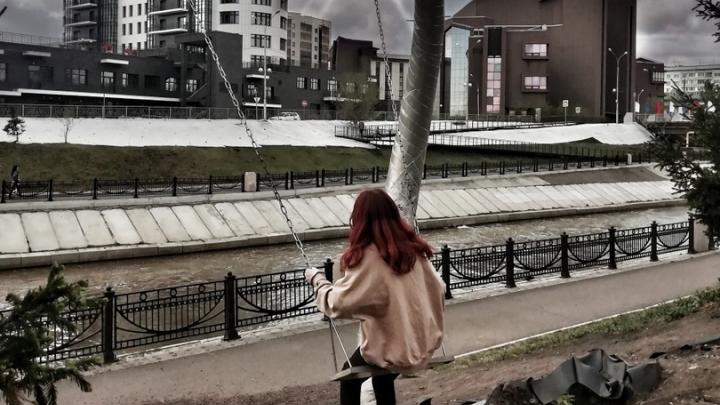 Девочку-подростка заперли в психбольнице за подписку на группу во «ВКонтакте»