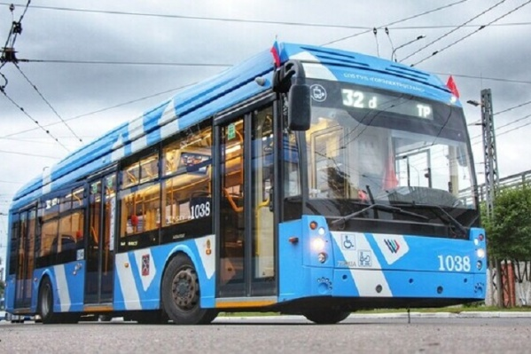 Электробусы с динамической подзарядкой уже используют в Санкт-Петербурге