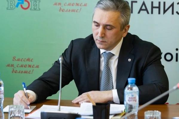 Губернатор ужесточил ограничения для тюменцев из-за коронавируса