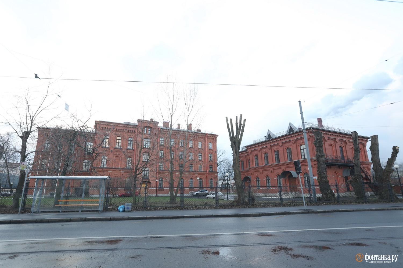 Учебный городок Государственного университета морского и речного флота имени адмирала С. О. Макарова