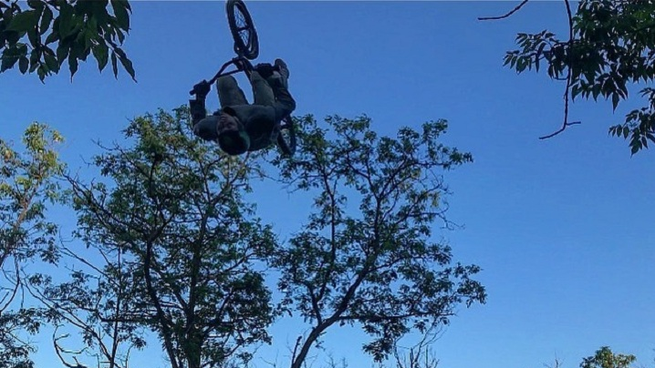 Тренировки, пляжи, стрельба и катание по Волге: смотрим, как волгоградцы проводят выходной