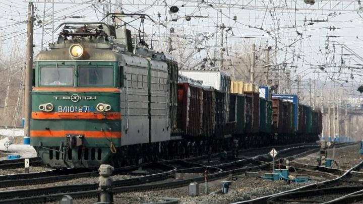 В Прикамье грузовой поезд насмерть сбил 58-летнего мужчину