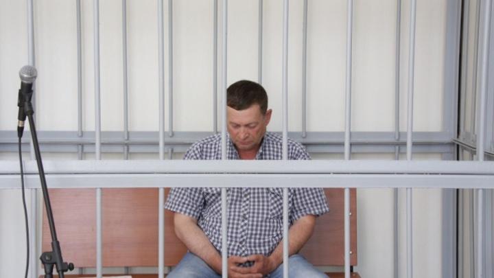 Для главврача-депутата, убившего жену на глазах у детей, гособвинение запросило 12 лет строгача