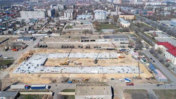 «Охраняют патрули с автоматами»: строительство военного инфекционного госпиталя в Волгограде с высоты
