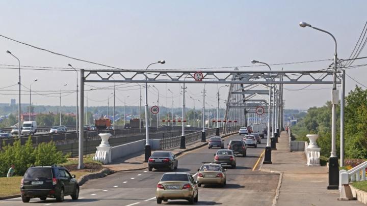 Мэрия Уфы попросила горожан не выезжать сегодня из города по Бельскому мосту