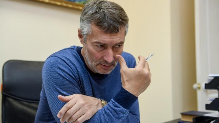 «За месяц ситуация ухудшилась вдвое»: Ройзман — о коронавирусе, задержках скорой и статистике