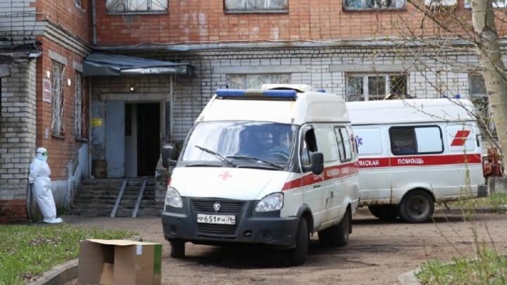 Заболевший коронавирусом ярославец смог попасть в COVID-госпиталь, только когда доказал, что болеет