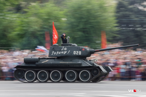 Во время репетиций и парада все контакты военных с населением сведут на нет
