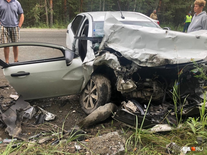 Травмы в результате ДТП получили и водитель «Лады», и два его пассажира — Анастасия и Владислав