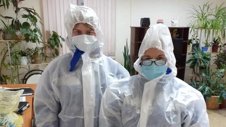 Екатеринбуржцы поздравляли врачей с днем медицинского работника