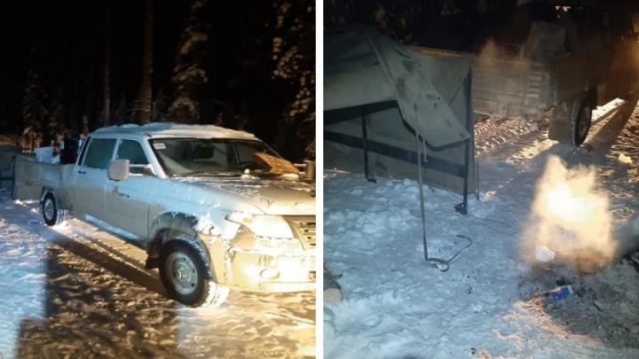 На севере края пять вахтовиков сбились с пути и замерзали в авто. Отогревать их отправили вертолет