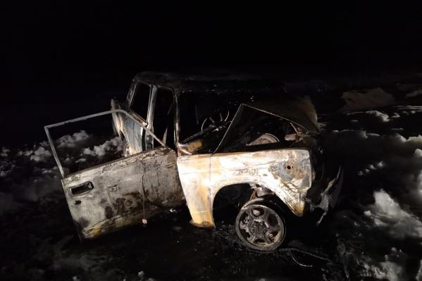 Накануне одна из машин после столкновения сгорела
