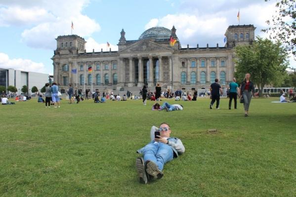 Николай дошел до Рейхстага и поделился мыслями о немецкой столице