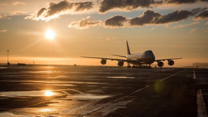В Толмачёво экстренно приземлился Boeing 747 — у него возникли проблемы с шасси