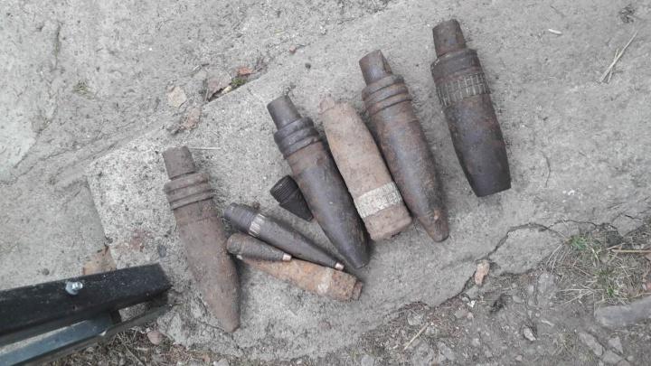 При подготовке грядок дачники нашли артиллерийский снаряд