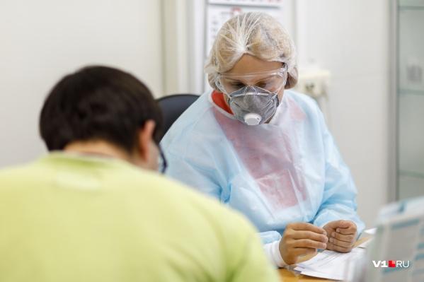 Всё больше заразившихся находят среди пациентов с ОРВИ
