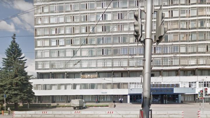 «Нужно выполнять план»: работники УМПО сообщили, что людей не отправляют на самоизоляцию, несмотря на вирус в цехе