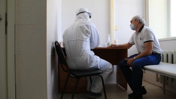 Рекордный всплеск заражённых и девять тяжелых пациентов: хроника коронавируса за сутки