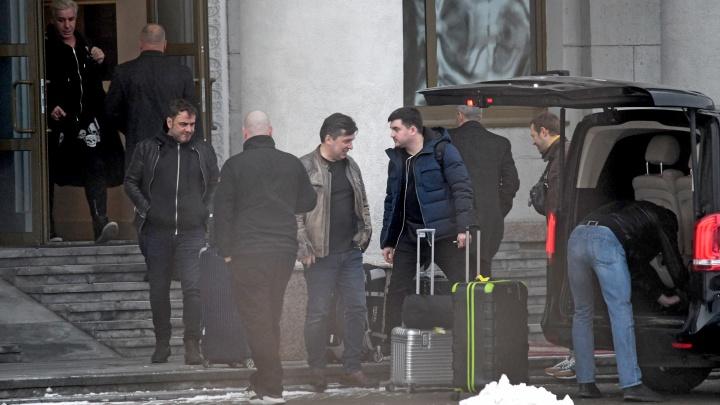 В обстановке особой секретности лидер Rammstein Тилль Линдеманн прилетел в Екатеринбург