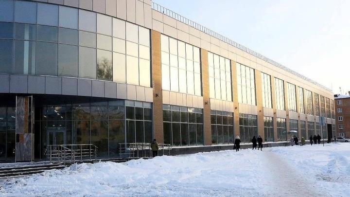 В Кемерово завершилось строительство торгового центра у Парка Ангелов. Показываем фото изнутри