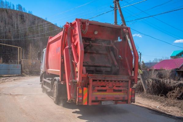 Отходы со свалки вывозят на полигоны