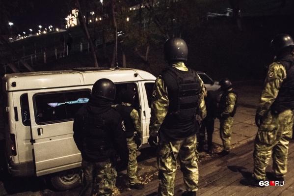 В спецоперации участвовали около 50 спецназовцев ФСБ и 30 следователей