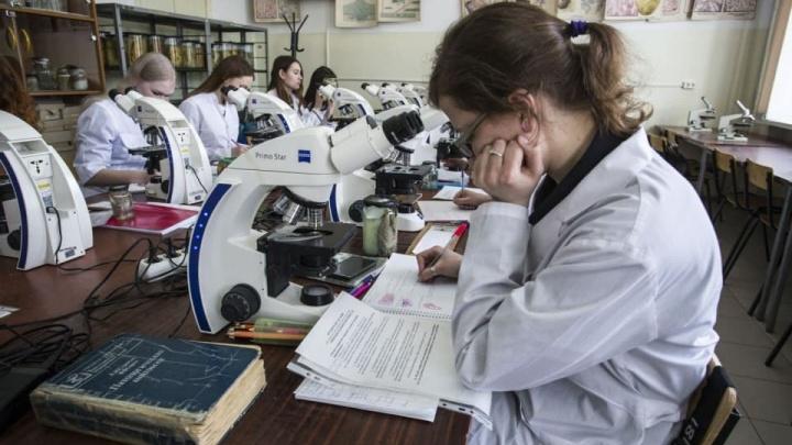 В НГМУ ответили на претензию студентов и преподавателей к очному обучению во время пандемии