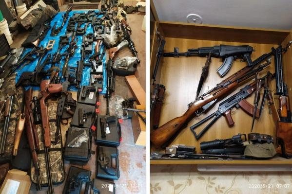 Также в посте приводится список обнаруженных и изъятых оружия и боеприпасов