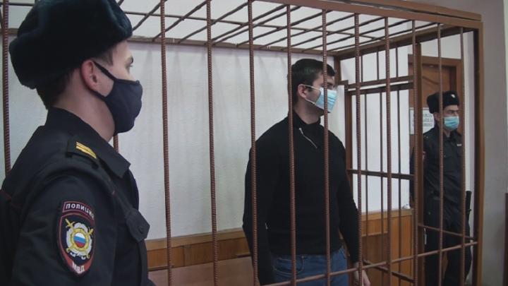 На Урале банда мошенников украла у банка миллион рублей, покупая и перепродавая бензин