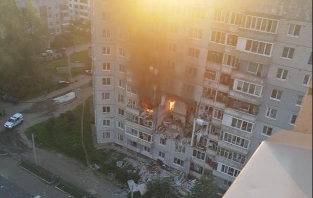 «Там ничего нет! Милые мои!»: 5 самых эмоциональных видео с места взрыва газа в Ярославле