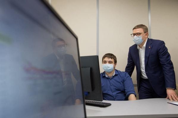 По словам губернатора, информацию из центра мониторинга воздуха сможет получить любой человек