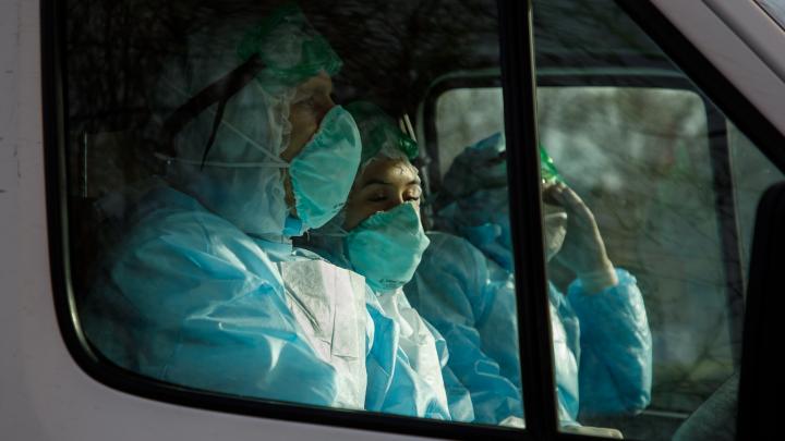 От палатки до палаты — несколько минут: как в Волгограде принимают пациентов с подозрением на COVID-19
