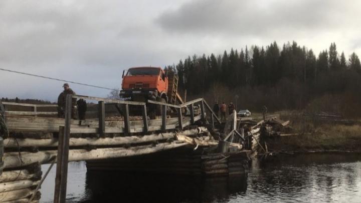 Водитель лесовоза, разрушивший мост в Шенкурском районе, не имел прав на управление автомобилем