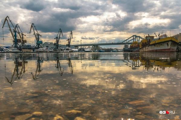 Фрузенский мост строят уже четыре года