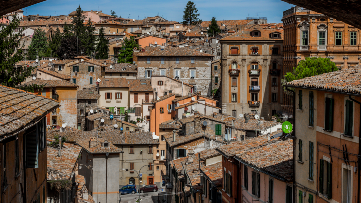 Италия выходит из коронавирусного кризиса: рестораторам скоро разрешат работать, но они недовольны
